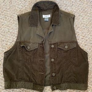 Vintage army green corduroy fishing vest